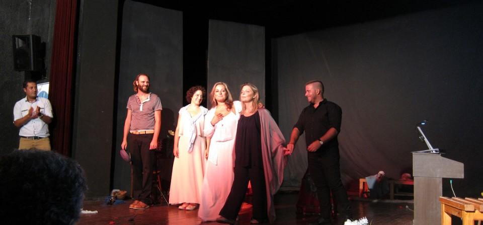 Τα πάθη της  αγάπη   σε  μουσική  της  Πηγής  Λυκούδη μάγεψαν  στην  Σμύρνη!